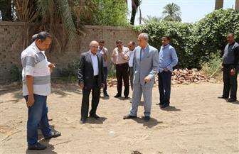 محافظ قنا يتفقد موقع إنشاء محطة مياه بقرية أولاد إسماعيل | صور