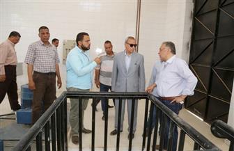 محافظ قنا يتفقد مشروعات مياه الشرب والصرف الصحي بمدينة دشنا وأبومناع غرب | صور