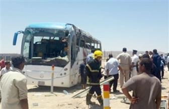 إصابة 9 سائحين صينيين بعد اصطدام الحافلة التى تقلهم بأعمدة الإنارة بطريق أحمد شفيق بالمطار