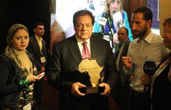 أبو العينين يفوز بجائزة أفضل صانع في قارة إفريقيا