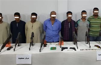 مديرية أمن أسيوط وقطاع الأمن العام يستهدفان البؤر الإجرامية | صور