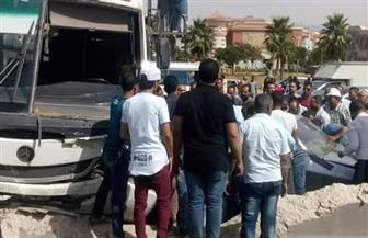 """إصابة 19 شخصا في حادث انقلاب """"ميني باص"""" على طريق الساحل الشمالي بالعلمين"""