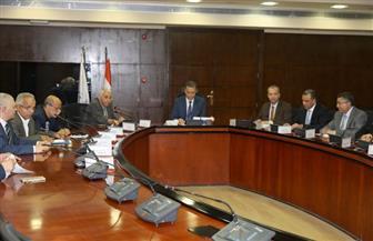 وزير النقل يجتمع بفريق إعداد دراسة مخطط تكامل شبكة خطوط نقل الركاب بين المدن | صور