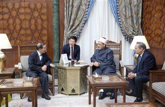 سفير الصين بالقاهرة: الأزهر الشريف يرسخ لدى طلابه قيم السلام والتعايش وحب الوطن