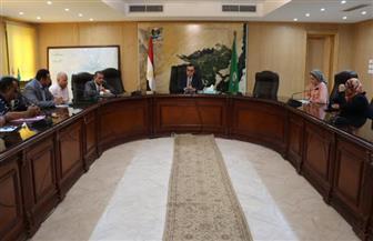 محافظ الفيوم يشدد على رؤساء المدن والقطاعات بإلغاء الإجازات ومنع التعديات في العيد