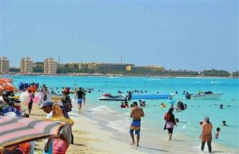 إقبال متزايد على مرسى مطروح.. وفتح الشواطئ بالمجان أول أيام العيد