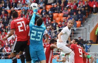 مصر وأوروجواي.. صراع شديد بين لاعبي المنتخبين.. وكوبر يحكم السيطرة