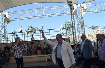 محافظ البحر الأحمر يتابع مباراة المنتخب المصري من مسرح ممشى النصر بالغردقة | صور