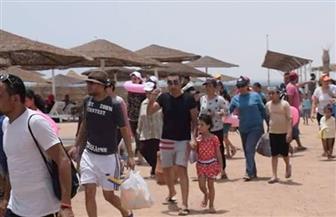 شواطئ الغردقة كاملة العدد في ثالث أيام عيد الفطر | صور