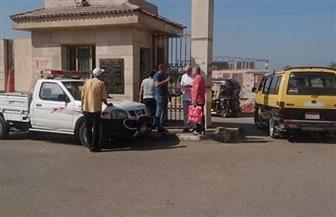 رئيس مدينة المحلة يتابع التزام السائقين بتعريفة الأجرة الجديدة بمجمع المواقف   صور