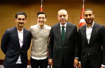 بسبب أردوغان.. مطالب بحرمان أوزيل وجندوجان من المشاركة مع ألمانيا في المونديال