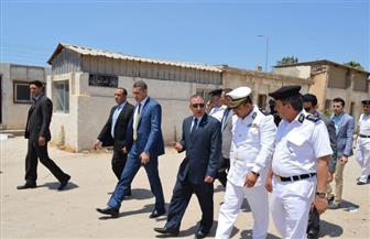 مدير أمن الإسكندرية يتفقد سير العمل بوحدة مرور محرم بك | صور
