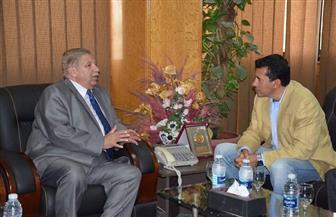 وزير الشباب والرياضة يلتقي محافظ الإسماعيلية في أولى جولاته بالمحافظات