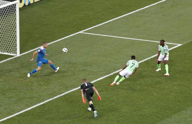 أحمد موسى يعزز تقدم منتخب نيجيريا على أيسلندا -
