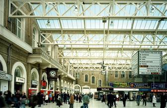 إخلاء محطة تشيرينج كروس فى لندن بعد أنباء عن وجود رجل يحمل قنبلة