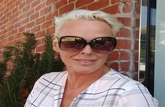 عمرها 54 عاما.. فنانة شهيرة تصبح أما للمرة الخامسة