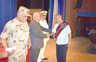 محافظ بورسعيد يشهد احتفالية تكريم 222 من أسر وشهداء ومصابي حرب أكتوبر المجيدة