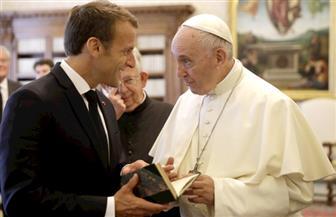 البابا فرنسيس استقبل ماكرون في لقاء مدته غير مسبوقة