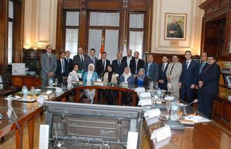 وزير الزراعة يلتقي 18 شابا وفتاة من أعضاء البرنامج الرئاسي