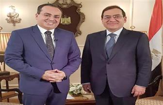 """شريف عبدالوهاب يصور حلقة خاصة من """"مباشر من مصر"""" مع وزير البترول"""