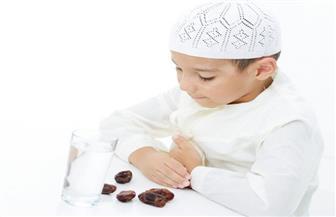 نصائح لتعليم الأطفال الصيام ومكونات وجبتي الإفطار والسحور.. تعرف عليها