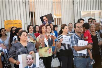 المصريون بقبرص يسلمون السفارة رسالة تأييد للرئيس السيسي | صور
