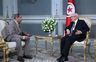 الرئيس التونسي يستقبل عبد العزيز البابطين في قصر قرطاج   صور