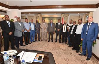 رئيس المقاولون العرب يلتقي أعضاء اللجنة النقابية للعاملين