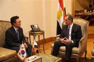 وزير الاتصالات يستقبل سفير كوريا الجنوبية والقائم بأعمال سفارة الولايات المتحدة