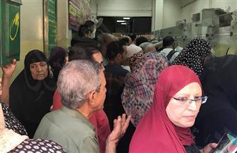 """""""بوابة الأهرام"""" ترصد رحلة معاناة المواطنين بمكاتب البريد.. تكدس وزحام.. والموظفون: """"السيستم واقع"""""""