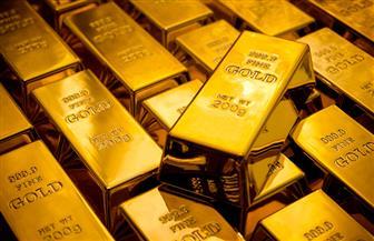 ارتفاع الدولار وأسعار الفائدة وراء خسائر الذهب المستمرة للشهر الرابع