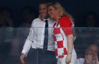 كيف هنأت رئيسة كرواتيا نظيرها الفرنسي بالفوز بكأس العالم؟|صور