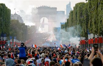 الجمهور الفرنسي يحتفل بالفوز بكأس العالم 2018 | صور