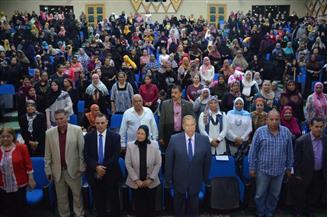 محافظ الإسماعيلية يشهد احتفالية المجلس القومي للمرأة لتسليم 2000 شهادة أمان للسيدات