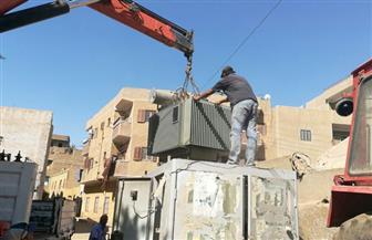 تنفيذ أعمال كهرباء في مركز ومدينة القرنة غرب الأقصر   صور