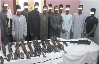 ضبط 253 سلاحا ناريا و411 عنصرا إجراميا وتنفيذ أكثر من 58 ألف حكم في حملة أمنية بقنا