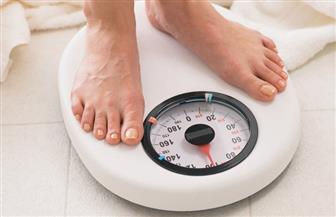 خبير تغذية يكشف حقيقة العلاقة بين الدهون والتخسيس وزيادة الوزن
