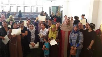 القومي للمرأة بالمنيا يسلم شهادات أمان للسيدات المعيلات بأبوقرقاص