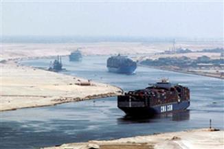 50 سفينة عبرت قناة السويس اليوم بحمولة 3.5 مليون طن
