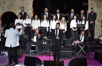 سعد رمضان يشدو بأغاني العندليب في حفل مهرجان زوق مكاييل بلبنان