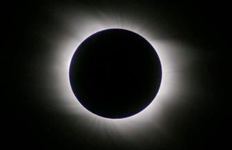 ظاهرة الخسوف الكلى للقمر مباشرة على شاشة عرض ضخمة فى مركز الطفل للحضارة والإبداع