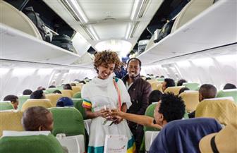 الورود فى استقبال أول رحلة جوية من إثيوبيا إلى إريتريا منذ 20 عاما