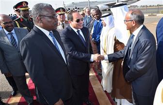 الرئيس السيسي يصل إلى العاصمة السودانية في زيارة رسمية