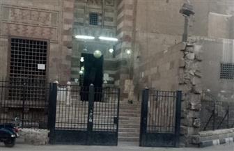 باحث أثري يوضح حقيقة ما يتم تداوله من صور للقمامة أمام مسجد قايتباي