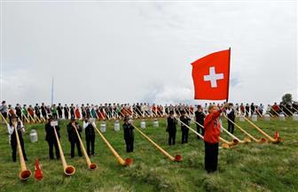 محبو الفن الشعبي السويسري يتجمعون في أكبر مهرجان عالمي للبوق