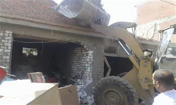 إزالة 15 حالة تعد على أملاك الري بمدينة سمنود| صور