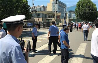 """الشرطة الصينية: الانفجار أمام سفارة أمريكا ناجم عن """"ألعاب نارية"""""""