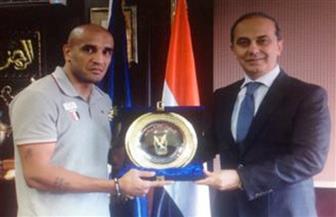 """""""الداخلية"""" تكرم لاعب اتحاد الشرطة الرياضي الفائز ببطولة البحر المتوسط"""