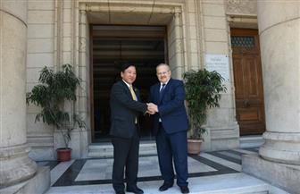 رئيس جامعة القاهرة يلتقي سفير اليابان لبحث أوجه التعاون مع الجامعات اليابانية | صور