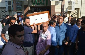إعلاميون وفنانون يشاركون فى تشييع جثمان سمير التونى | صور